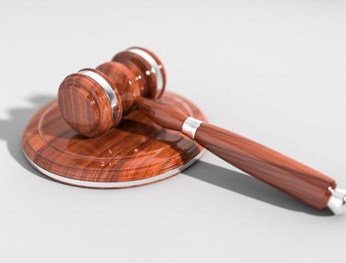 Россиян предложили наказывать за критику судей