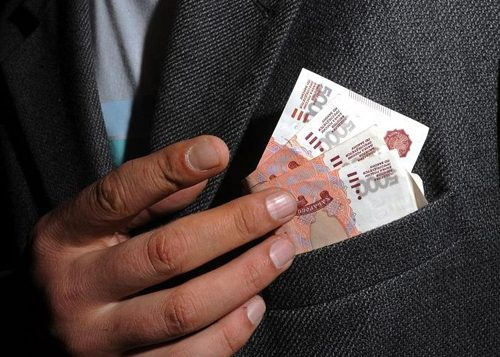 Чиновник-взяточник регистрировал китайцам сельхозтехнику за мзду в Ленинском районе