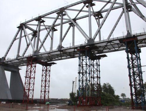Строительство Нижнеленинского моста продолжат после спада воды в Амуре