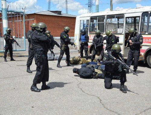Условные террористы попытались напасть на воинскую часть в Бабстово