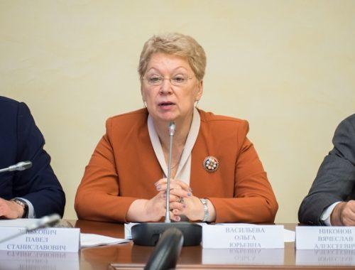 Стоимость обучения в вузах России повысилась почти вдвое с приходом нового министра образования