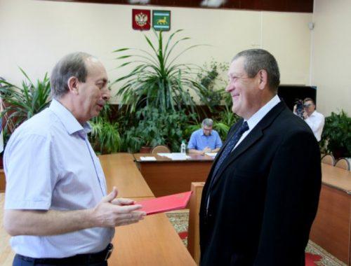 Хохма от губернатора ЕАО: Александр Левинталь дважды выдал тысячный «дальневосточный гектар»