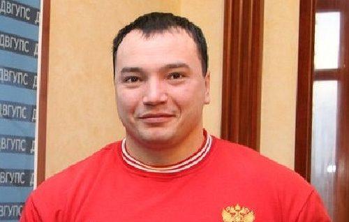 В Хабаровске уволен полицейский, на глазах которого убили пауэрлифтера Андрея Драчева