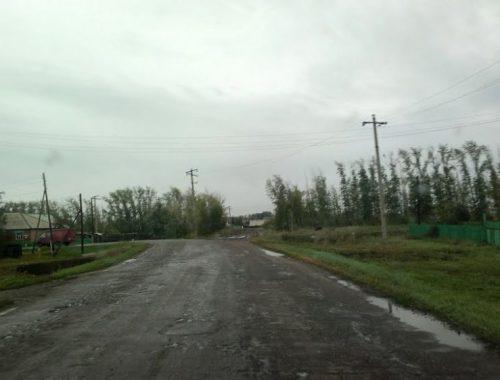 «Дорогу знаний» в Биробиджанском районе подлатали только к концу сентября