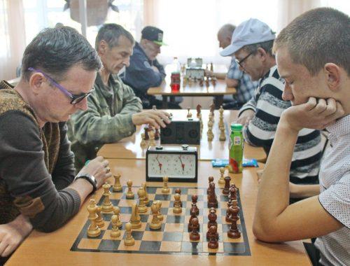 В Биробиджане прошел турнир по молниеносным шахматам