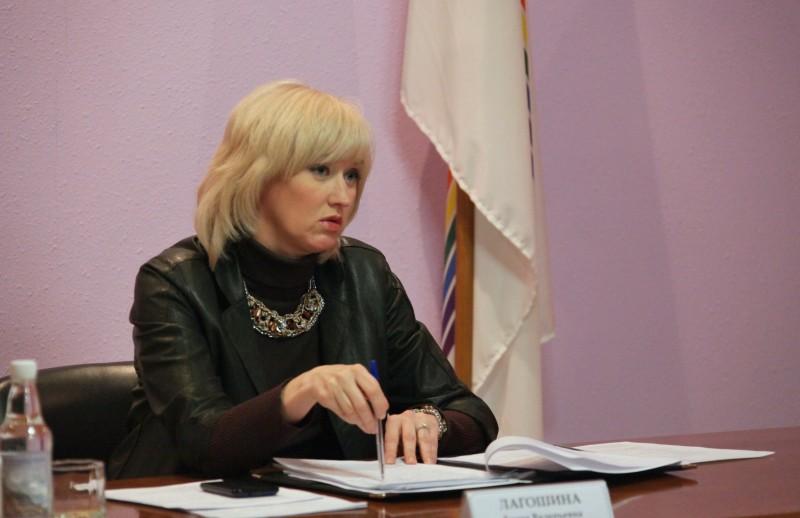 МОЛНИЯ: Вице-премьер правительства ЕАО Елена Лагошина уходит в отставку
