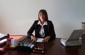 «Ворон ворону глаз не выклюет»: Прокуратура потребовала от главы Бирофельдского поселения Марии Ворон досрочно сложить полномочия