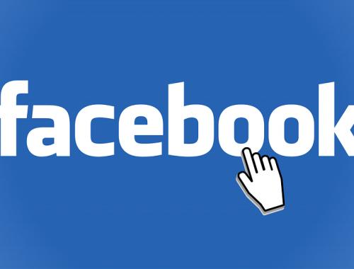 Роскомнадзор пригрозил заблокировать Facebook в 2018 году