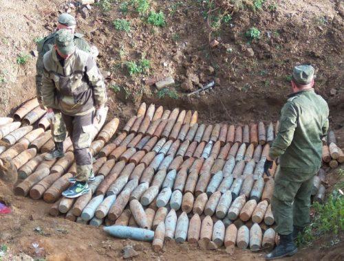 УФСБ раскрыло тайник с боеприпасами в Бире