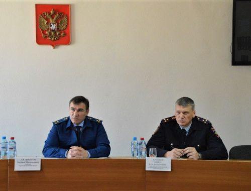 Прокурор области Заурбек Джанхотов потребовал возбудить уголовное дело по факту самоуправства в селе Дежнево