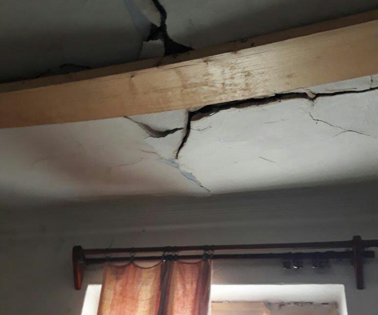 Власти Теплоозерска отказались переселять ветхий дом после незначительного ремонта