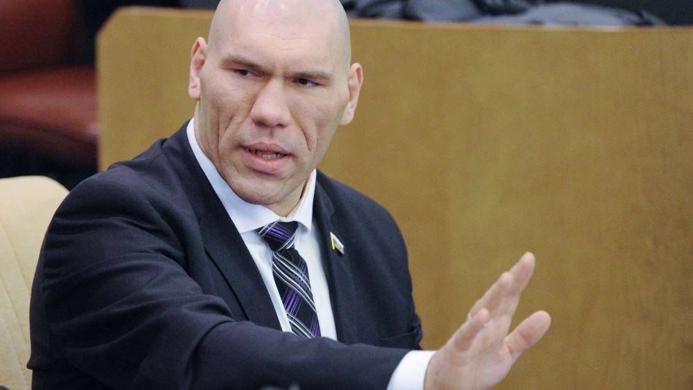 Зарабатывающий почти миллион в месяц Валуев призвал не стыдиться бедности