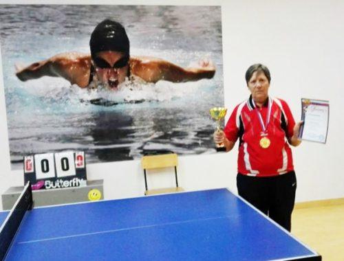 Легенда настольного тенниса Раиса Свинкина из ЕАО заняла первое место на открытом чемпионате в Приморье