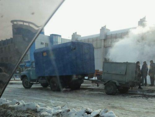 Остановлено теплоснабжение микрорайона имени Бумагина из-за прорыва теплотрассы в районе «Куража»