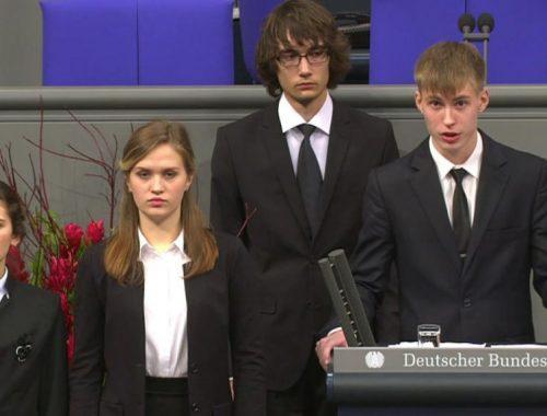 Российский школьник в бундестаге назвал солдат верхмата «невинно погибшими людьми»