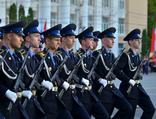 93% россиян уверены в способности армии защитить страну