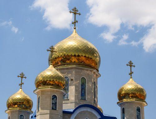 Более половины россиян доверяют РПЦ