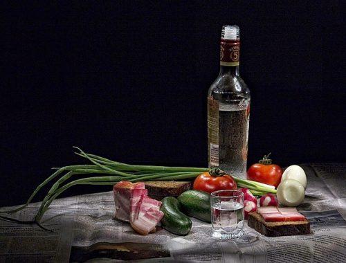 В Приморье оживший «покойник» отправился пить водку на собственные поминки