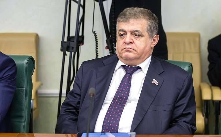 Владимир Джабаров назвал взрывоопасным шагом признание Иерусалима столицей Израиля