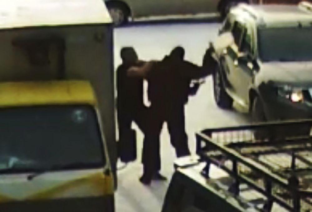 СКАНДАЛ: тренер областной спортшколы Евгений Нежинский нанёс побои автомобилисту?