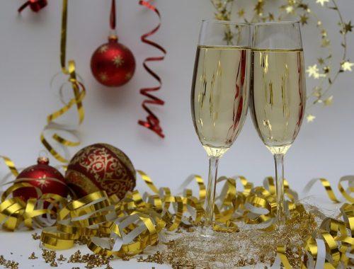 ВЦИОМ: почти 80% россиян планируют встречать Новый год дома