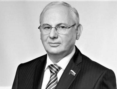 Скончался известный журналист и экс-депутат Госдумы от ЕАО Борис Резник