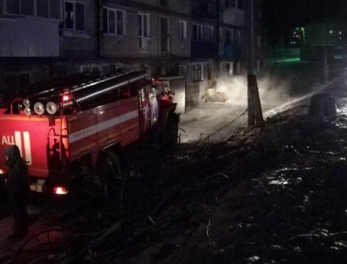 Пожар в теплоозёрской пятиэтажке устроили подростки-курильщики