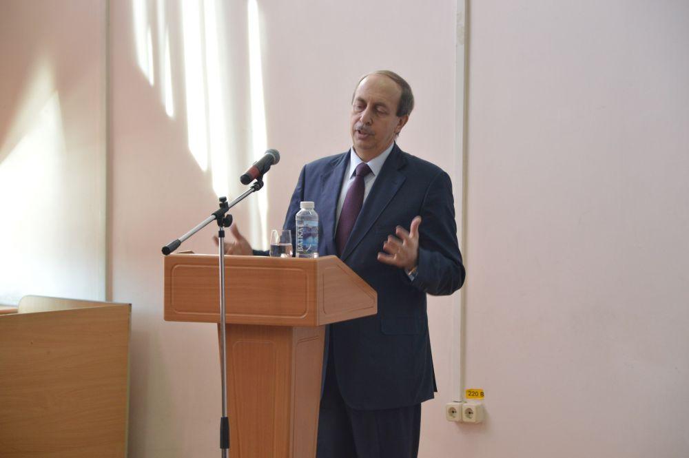 «Полный аншлаг»: губернатор Левинталь рассказал студентам ПГУ об успехах экономического развития ЕАО