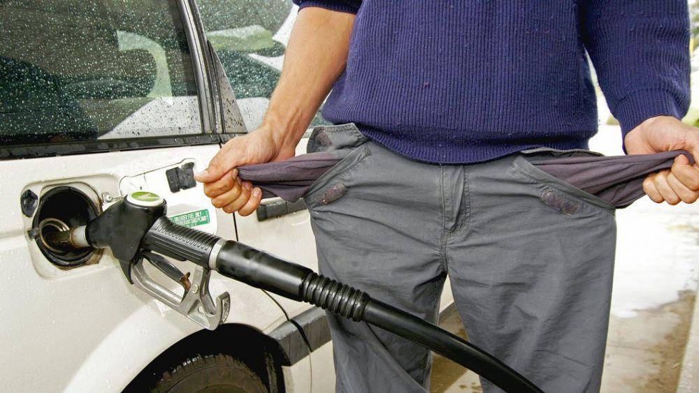 Россиян ждет очередной скачок цен на бензин