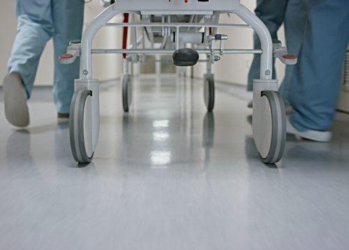 Медсестре из пос. Бира отказали в выплате за работу с коронавирусным пациентом — прокуратура