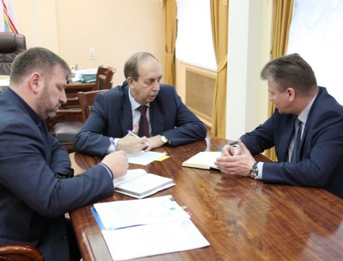 Губернатор ЕАО посоветовал мэру Биробиджана отказаться от юбилейной премии