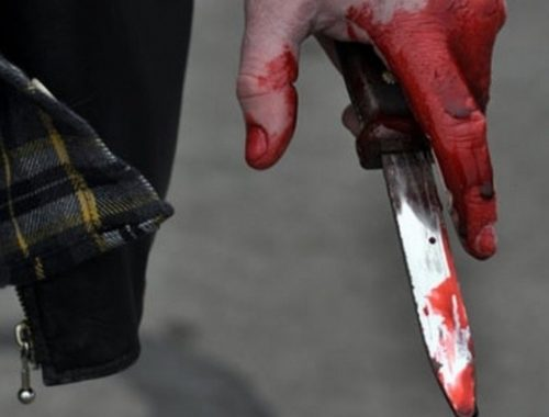 В Биробиджане подросток ударил ножом случайного прохожего