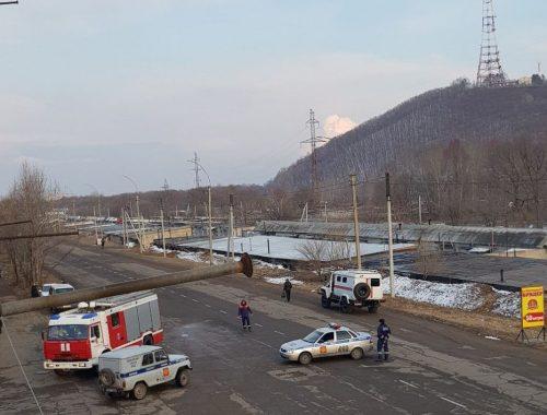 Экстренно эвакуировали жильцов дома на Набережной из-за подозрительного предмета в подвале