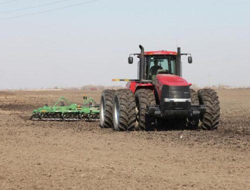 В ЕАО более 20 фермеров намерены купить сельхозтехнику с льготной скидкой