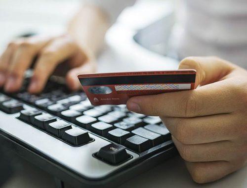 Телефонный мошенник из Калужской области «убедил» биробиджанскую пенсионерку перевести ему деньги