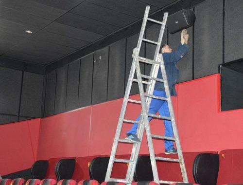 Демонтаж оборудования в кинотеатре «Родина» приостановлен по результатам переговоров между мэрией и предпринимателями