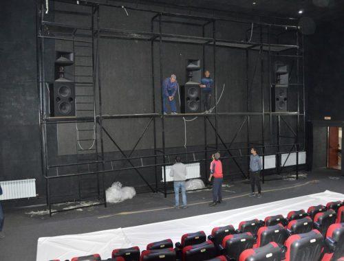 Сеанс окончен: из кинотеатра «Родина» сегодня вывозят оборудование