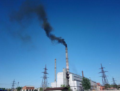 Из трубы Биробиджанской ТЭЦ повалил чёрный дым