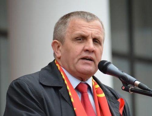 Запереть министров и заставить их жить на МРОТ предложил депутат-коммунист