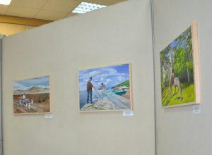 В Биробиджане открылась выставка «Берега далекие и близкие»