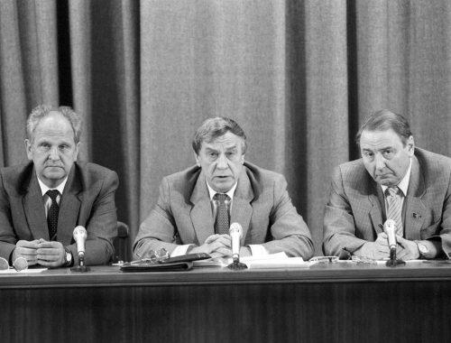 К 27-летию ГКЧП: в августе 1991 года мы попали в замкнутую пространственно-временную петлю