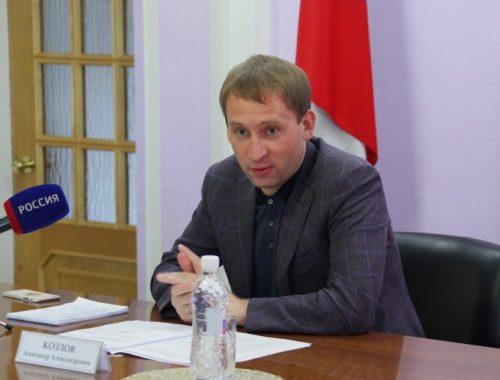 Глава Минвостокразвития провел рабочую встречу по вопросам строительства Нижнеленинского моста