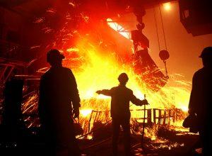 Рост несырьевой промышленности России замедлился в 15 раз