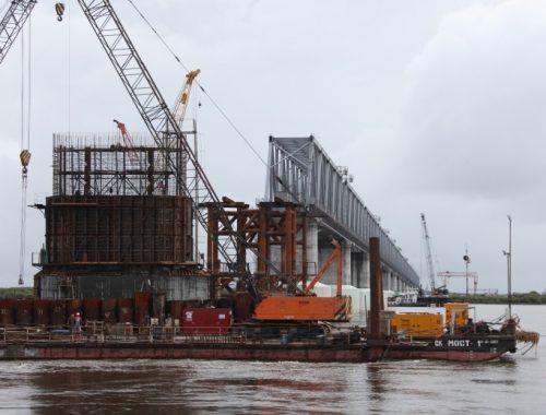 Четвертую опору Нижнеленинского моста передадут китайцам в сентябре