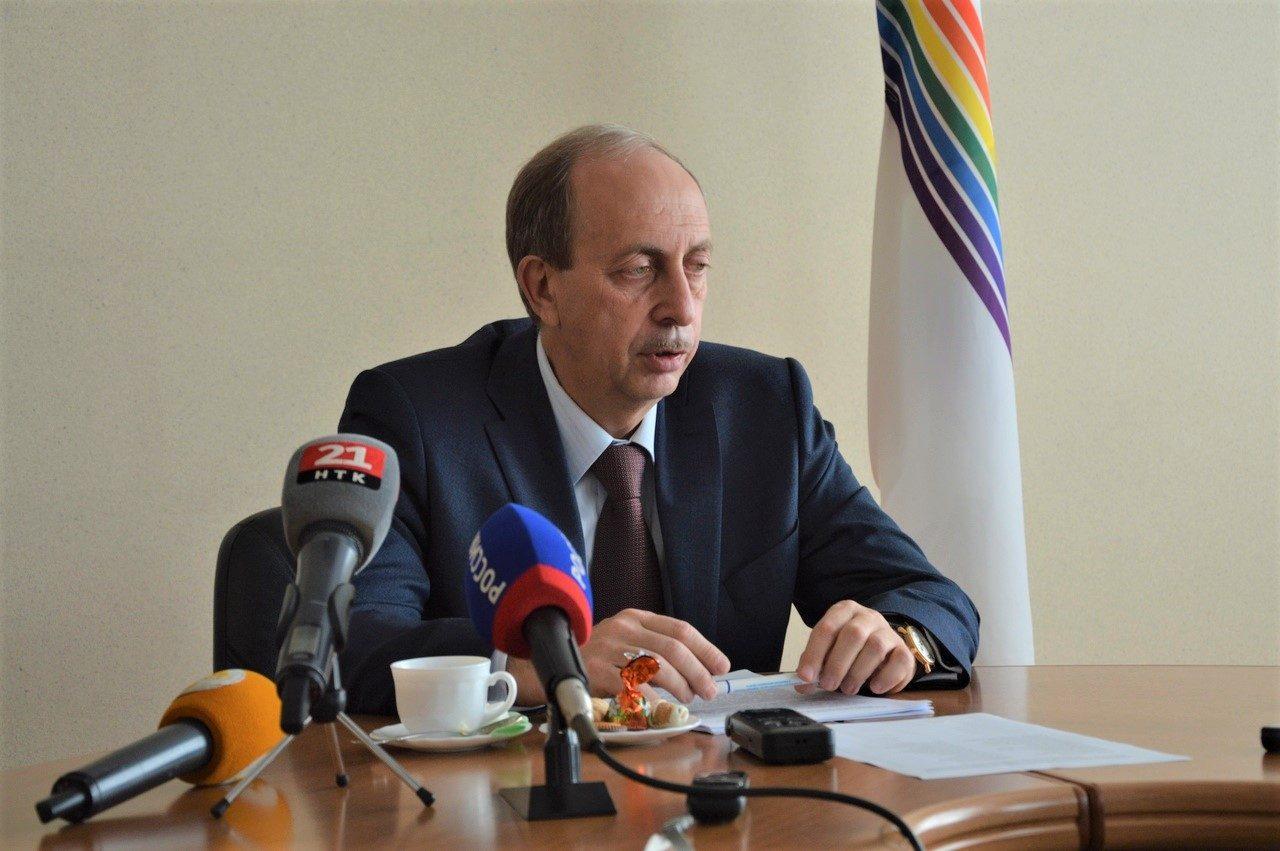 «Мы, губернатор Александр Второй»: глава ЕАО отчитался о своей работе за последние три года