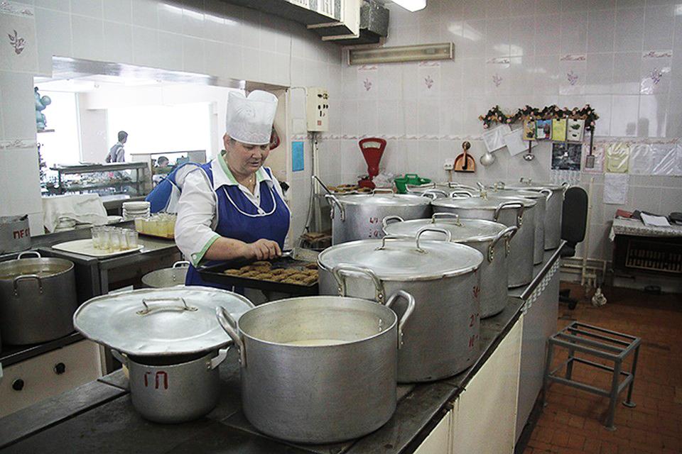 Прокуратура подтвердила правоту Валентины Мильгром: наценки на школьное питание признаны незаконными