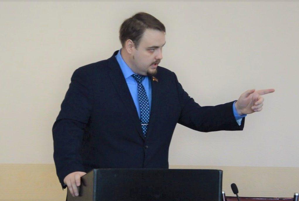 «Бессмысленно прививать оспу телеграфному столбу»: большинство депутатов гордумы не поддержало идею всенародных выборов мэра Биробиджана