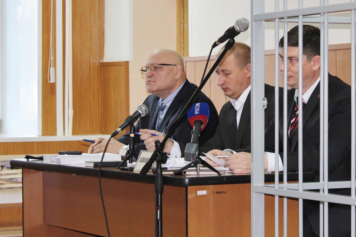 Винников на скамье подсудимых: громкий судебный процесс по делу экс-губернатора ЕАО начался в Биробиджане