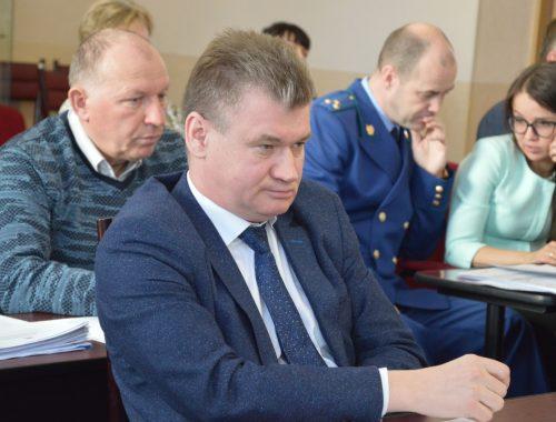 Впервые не аутсайдер: Евгений Коростелев оказался вполне образованным мэром
