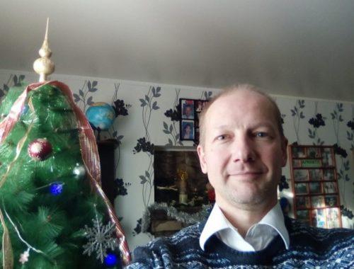 С наступающим Новым годом жителей Николаевки поздравляет депутат Олег Белозеров